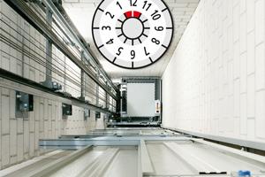 Mehr Transparenz: Eine Prüfplakette zeigt, wann die die nächste Prüfung des Aufzugs ansteht