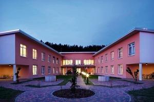 Die Außenanlage des Pflegeheims in Bad Münder wurde in den Rundkurs, der sich durch das Gebäude zieht, integriert<br />