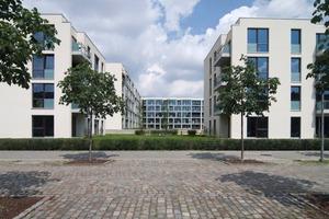 """Der erste Bauabschnitt des Avila-Carrés auf dem Alten Berliner Schlachthof – """"Haus Elija"""" – wurde im Juni 2009 fertiggestellt. Unter dem U-förmigen Hauptgebäudeteil befindet sich die Tiefgaragenanlage<br /><br />"""