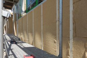 Die materialspezifischen Vorteile der Holzfaser-Dämmplatten, insbesondere ihre relative Flexibilität und Biegsamkeit, waren bei der Wahl des WDVS-Typs ausschlaggebend