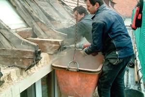 Aufwändige Sanierung des Daches