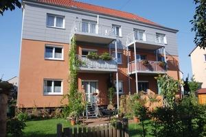 Die Erdgeschosswohnungen in Kassel gewinnen durch den Zugang zum Garten und kleinen privaten Bereichen an Qualität – nicht nur für Familien <br /><br />