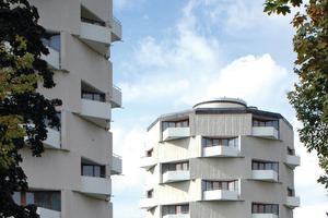 Die Städtische Wohnungsbau sanierte im Kanadaring bereits 2009 drei denkmalgeschützte Rundhochhäuser aus den 1960er Jahren<br />