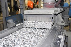 Zwischenstufe im Recyclingprozess Rohgranulat aus PVCund anderen Reststoffen<br />