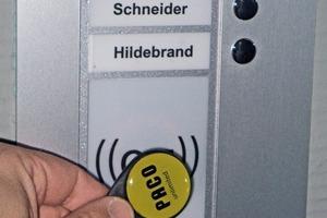 Mit dem Chip können auch kontaktlos Türen, Rolltore und Schranken geöffnet werden<br />