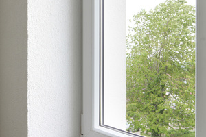 Damit aus dem Haus mit hohem Energieverbrauch ein Effizienzhaus 85 werden konnte, wurden u.a. zweifachverglaste Fenster eingefügt