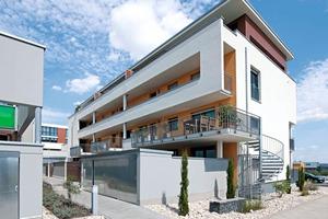 Es ist eine klare, architektonische Linienführung gewählt worden, die das Erscheinungsbild des Wohnquartiers übersichtlich und gradlinig mit kubischen Formen prägt<br />