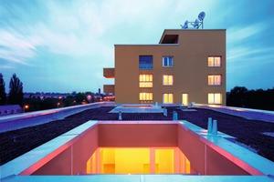 """<div class=""""metainfo"""">Atrium und Dachterrasse</div>"""