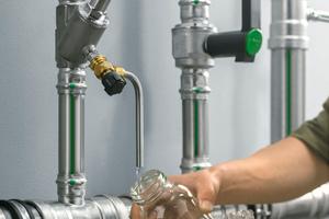 Die Beprobung von Trinkwasser-Installationen muss fachgerecht ausgeführt werden, um belastbare Ergebnisse liefern zu können