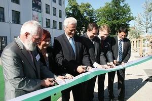 """Übergabe von """"Stadtplatz Grüne Mitte"""" und """"Service-Wohnen der AWO"""" am 25. Mai 2011<br />"""