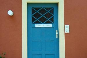 <strong>Alt und neu vereint:</strong> ursprüngliche Farben, aktuelle Glasvordächer<br />