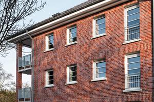 Beim Wohnpark Kempen leisten Kunststoff-Fenstersysteme in Kombination mit VentoTherm Lüftungsmodulen einen Beitrag zu Energieeffizienz und gutem Raumklima
