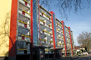Moderne Balkonsysteme bieten bei der Altbausanierung die Möglichkeit, Gebäuden ein völlig verändertes Erscheinungsbild zu geben