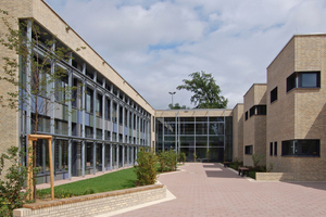 """Plusenergie-Grundschule Niederheide"" in Hohen Neuendorf bei Berlin"