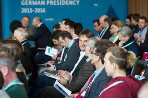 Kongressteilnehmer am 16. März 2016 in Garmisch-Partenkirchen
