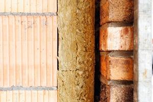 Die zweilagige Fassadenkonstruktion mit Luftschicht trägt mit ihrer <br />Wärmedämmleistung entscheidend dazu bei, dass das Schermbecker Objekt die Anforderungen des KfW-40-Programms erfüllt<br />