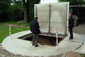 Freiburg i. Br.: Unterirdischer Hackschnitzelbehälter mit Befüllöffnung