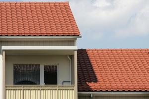 Die Ziegeldächer sind bis ins Detail vollkeramisch ausgeführt