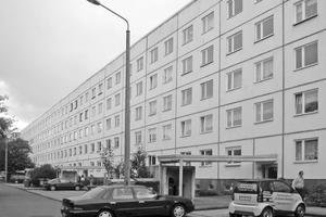 Der Plattenbau in Halle-Neustadt vor dem Umbau