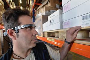 Datenbrillen,die auftragsrelevante Informationen und Anweisungen auf dem Display einblenden,kommen bereits in anderen Industrien in der Logistik und Maschinenwartung zum Einsatz