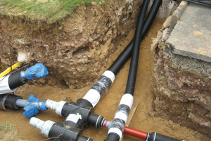 Das korrosions- und wartungsfreie Nahwärmenetz sichert einen Wärmebedarf von 715 kW ab