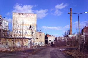 Das Gelände vor der Sanierung, links das Sudhaus<br /><br />