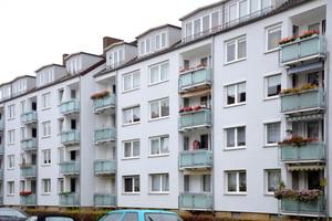 Nach der dreiwöchigen Sanierung besitzen die 51 Balkone ein helles, freundliches Erscheinungsbild
