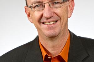 """Bauder-Steildachexperte Ekkehard Fritz: """"Je älter das Gebäude, umso lohnender ist die energetische Sanierung."""""""