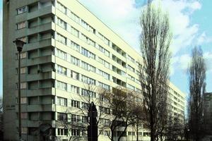 Im polnischen Stettin wurde im Dezember 2009 in drei Plattenbauten ein lastabhängiger hydraulischer Abgleich durchgeführt, was Energieeinsparungen zwischen 15 und 20 % zur Folge hatte. Eines der Gebäude rüstete man im vergangenen Jahr zusätzlich mit CCR3 aus. Dadurch ergab sich innerhalb von sechs Monaten eine weitere Reduzierung des Energieverbrauchs um 5 %<br />