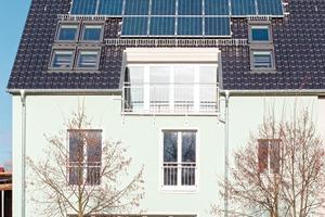 Dachsanierung in Brandenburg: Strom und Wärme ziehen ein.
