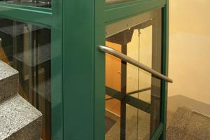 Seniorengerechter Wohnraum in den oberen Etagen setzt einen Aufzug voraus. Wo er fehlt, kann er in vielen Bestandsgebäuden einfach nachgerüstet werden