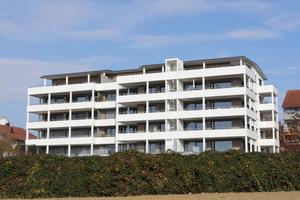 Die Wohnungsgrößen variieren zwischen fünf Zimmern für Familien, über 3-4 Zimmerwohnungen für Paare bis hin zu Wohnungen mit 1,5 Zimmern für Singles