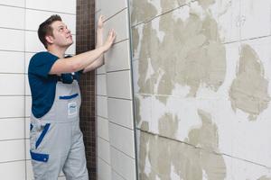 Badrenovierung in sieben Arbeitstagen: Vorgefertigte Wandelemente machen es möglich