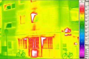Thermografische Aufnahme eines Wohngebäudes