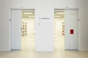 Die Brandschutztore und -türen in der Stuttgarter Bibliothek sind mit Feststellanlagen und Rauchschaltern von Hekatron ausgestattet