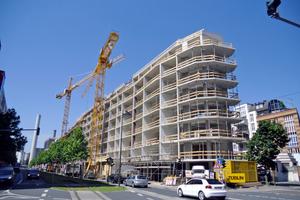 Das Tragwerk des Aktiv-Stadthauses ist ein Stahlbetonskelett- bzw. -schottenbau