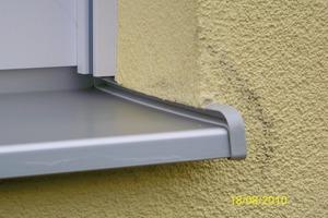 Das Fenster stellt eines der <br />meist ausgeführten Details bei <br />der Erstellung des WDVS dar. Der scheinbar einfache Anschluss ist <br />oft Hauptursache für Spätschäden<br />