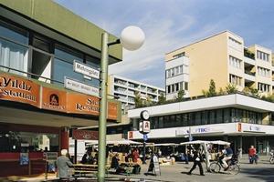 Was verbindet den Mehringplatz im Berliner Bezirk Friedrichshain-Kreuzberg ...