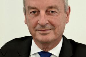 """Frank Junker, Vorsitzender der Geschäftsführung der ABG Frankfurt Holding: """"40 % der Endenergie in Deutschland wird von Immobilien verbraucht. Wo viel Energie gebraucht wird, kann man also kräftig sparen."""""""