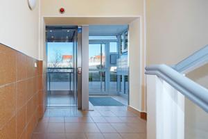 Die Eingangsbereiche haben durch die Aufzugnachrüstung an Attraktivität gewonnen