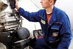 """Mit einem Druckmessgerät ist regelmäßig die Leckrate einer Gas-Installation zu ermitteln. Bei einer Leckrate von mehr als einem und weniger als 5 Litern pro Stunde ist die Gasleitungsanlage gemäß TRGI """"vermindert gebrauchsfähig"""" und innerhalb von 4 Wochen instand zu setzen"""