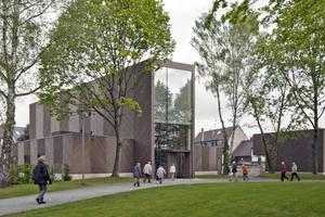 Das Berliner Architekturbüro Sauerbruch Hutton erhält für seinen Kirchenbau in Köln-Stammheim den Deutschen Architekturpreis 2015