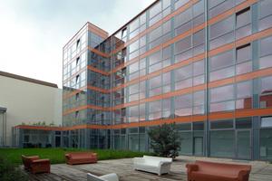 Da bei der Stahlskelettbauweise die Innenwände nicht statisch tragend sind, bietet sie Flexibilität bei der Raumgestaltung, hier ein Studentenwohnheim