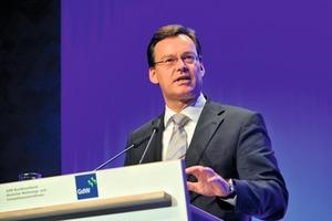 GdW-Präsident Axel Gedaschko bei seiner Rede vor den rund 200 Teilnehmern des Stadtentwicklungskongresses<br />