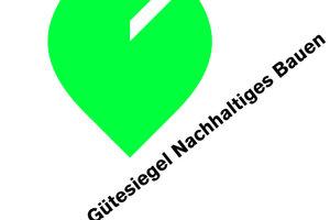 """<p>Bundesbauminister Wolfgang Tiefensee hat beim Tag der Deutschen Bauindustrie in Berlin das deutsche Gütesiegel für nachhaltiges Bauen vorgestellt. """"Mit diesem Gütesiegel haben wir in Deutschland jetzt ein echtes Zeugnis für nachhaltige Gebäude"""", sagte Tiefensee. """"Wir schaffen damit Transparenz und Vergleichbarkeit. Ich bin sicher: Das Nachhaltigkeitssiegel wird zu einem unverwechselbaren Qualitätsmerkmal auf dem Immobilienmarkt werden.""""</p><p>Mit dem Gütesiegel wird ein umfassendes Bewertungssystem eingeführt, das aus dem """"BMVBS- Leitfaden Nachhaltiges Bauen"""" entwickelt wurde. Das System wird gemeinsam vom Bundesbauministerium und der Deutschen Gesellschaft für Nachhaltiges Bauen umgesetzt.</p><p>""""Mit diesem Siegel haben wir erstmals einen belastbaren Maßstab für die wirtschaftliche, ökologische und städtebauliche Qualität von öffentlichen und privaten Gebäuden"""", so Tiefensee weiter. """"Ich wünsche mir, dass viele gute Projekte mit diesem Siegel ausgezeichnet werden und lade Bauwirtschaft, Immobilienwirtschaft und die öffentlichen Hände ein, sich dem Bewertungssystem zu stellen."""" <br />Der Präsident des Hauptverbandes der Deutschen Bauindustrie, Hans-Peter Keitel, sagte: """"Das Gütesiegel wird am Schluss das äußere Zeichen eines hochwertigen, nationalen Zertifizierungssystems sein. Es ist das gemeinsame Werk aller am Bauprozess beteiligten Partner. Wir sind davon überzeugt, dass sich das Deutsche Gütesiegel schnell am Markt durchsetzen wird.""""</p><p>Die Reden auf dem Tag der Deutschen Bauindustrie konstatierten eine gute konjunkturelle Entwicklung. Aber das Bild ist nicht ungetrübt. Die Energiepreise sind auf einem Rekordhoch. Die Rohstoffmärkte reagieren mit enormen Preissteigerungen auf knappere Ressourcen. Die Bautätigkeit und speziell der Gebäudesektor sind davon besonders betroffen. Immerhin ist der Gebäudebestand mit etwas mehr als einem Drittel der größte Energieverbraucher der Volkswirtschaft. Dieses volkswirtschaftliche Problem hat auch eine soziale Komponent"""