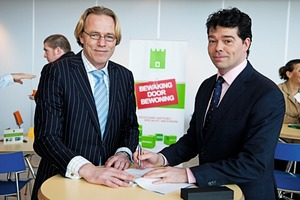 JoostvanGestel, CEO CamelotEurope (rechts) und LarsStratman, PracticeLeader RealEstate, MarshNiederlande (links)<br />