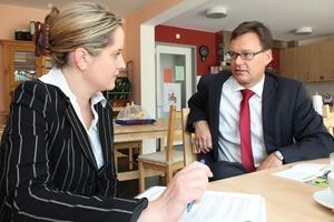 Nach acht Monaten im Amt ist es Zeit für ein Hintergrundgespräch. Die Redaktion traf GdW-Präsident Axel Gedaschko zum Interview<br />