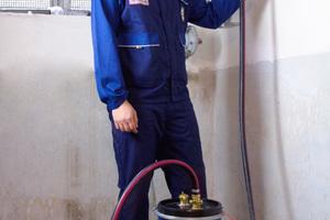 Das Einleiten von einem Dichtmittel in die Gas-Installation ist schnell und kostengünstig