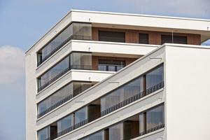 Ein verglaster Balkon ist eine Investition in die Immobilie, denn sie schafft einen höheren Wohnwert und schützt die Bausubstanz