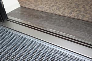 Schwellenfreie Balkontüren-Durchgänge von Alumat (nach DIN 18040-2) sorgen für rollstullgerechtes Wohnen im Espachstift
